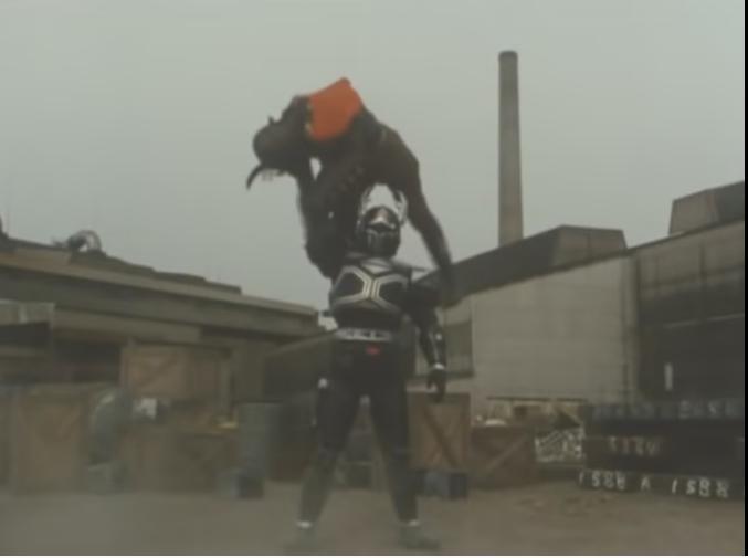 アンケートです。 特撮作品に登場する中で「(空手や拳法など)格闘技を駆使して戦うヒーロー」といったら、 あなたは代表としてだれを選びますか? ※もちろん、下記以外の人物でご回答いただいてもかまいません。 1.ウルトラマンレオ 2.仮面ライダースーパー1 3.五星戦隊ダイレンジャー 4.クワガ(ビーファイターカブト)