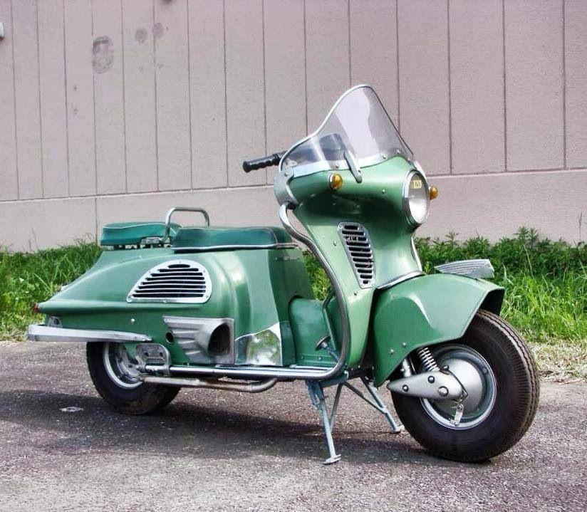 このバイクはハーレーですか?ベスパですか?