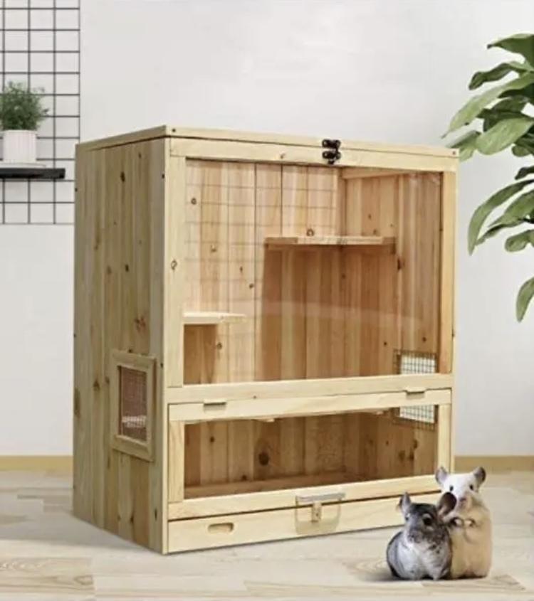 フクロモモンガのケージについて質問です。 これから新しくケージを購入検討中です。 こちらの木製のタイプは保温性や機能面などお使いの方のご意見お聞かせください。