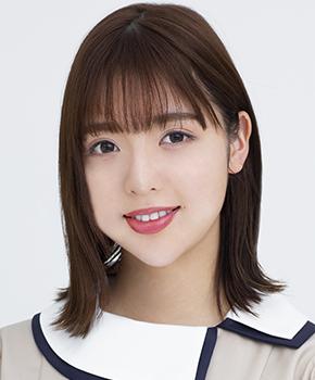 乃木坂46公式サイトのメンバー紹介の写真はなぜ変なのでしょう。 運転免許証の写真並みに変。 和田まあやなんてホームベースだし