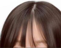 前髪の生え際を下の方にする方法を教えてください。 今の前髪は結構生え際が上の方にあるので、もう少し下にする方法を教えてください。  あと、前髪がこのように束になってしまうのですが、束にならない方法などはありますか?  回答お願いします。
