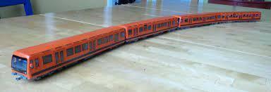 なぜこの電車(ヘルシンキ M200)のモーターはかご形三相誘導なんですか?