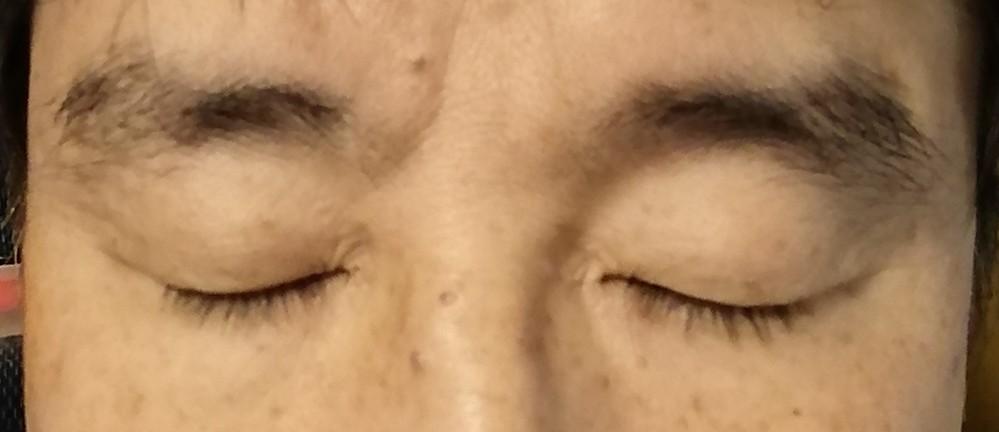 眉カット用のはさみあるんですが上手く整えられないのと自分にあった眉の形がわかりません。どうしたらいいですか? 眉のテンプレートを買うのが良いですか?