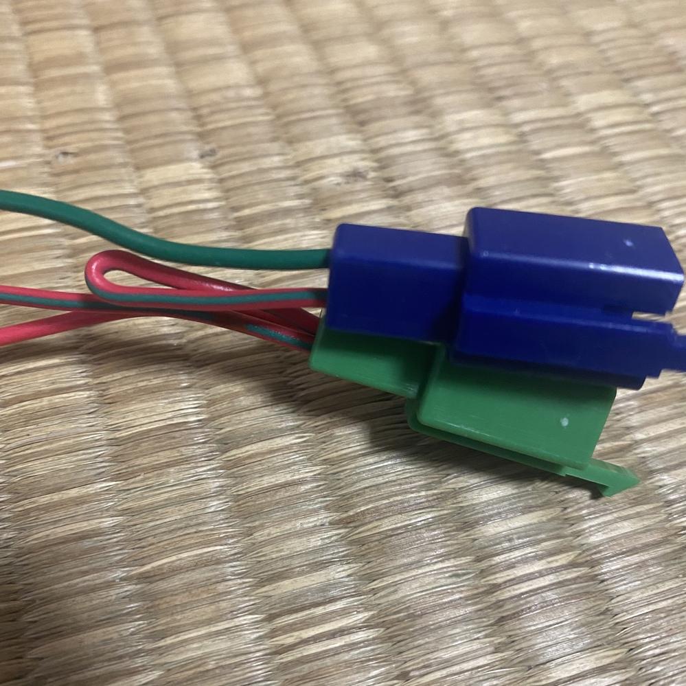 ズーマーの配線で赤はプラス、緑はマイナス、赤緑はなんですか?