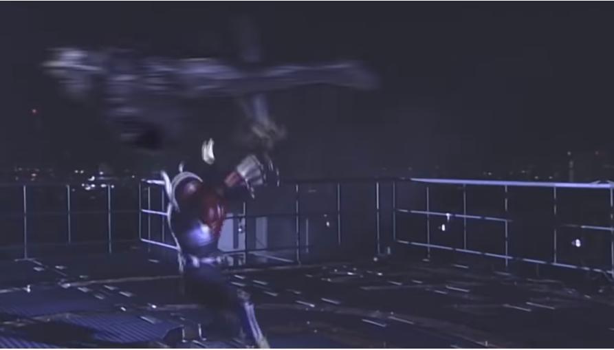 アンケートです。 あなたはヒーローだと仮定します。 「空を飛んで攻撃してくる強敵を、あなたはある方法で倒すことができました」。 さて、その方法とは一体何ですか? 私の場合、『模型飛行機の動きを思い出し、向かってくるカラスのアンノウンの動きに合わせ、剣で真っ二つに切り裂きました』。