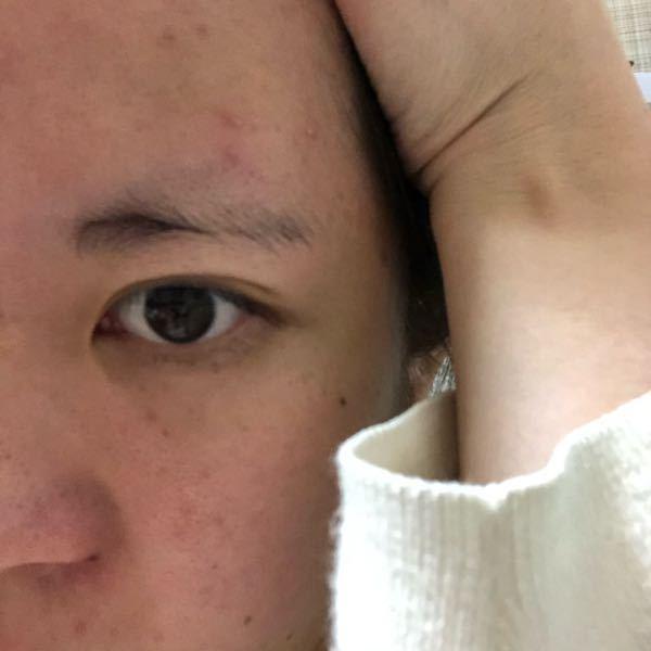眉毛が薄くって、描くのも下手で練習しようと思うんですが、子の眉毛だったらどうケアしたらいいでしょうか、、化粧が苦手で本当に(T . T) 見苦しい写真申し訳ございません あと毛量を増やすにはど...