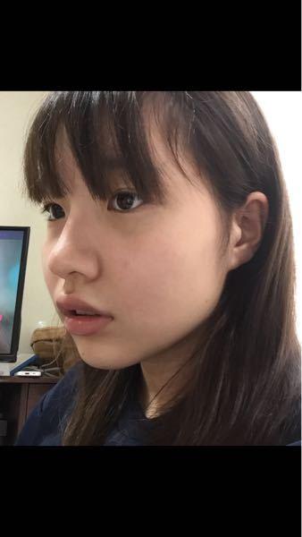 正直にお願いします!! この顔はブスな方ですか?可愛い(?)方ですか? また、何歳くらいに見えますか?