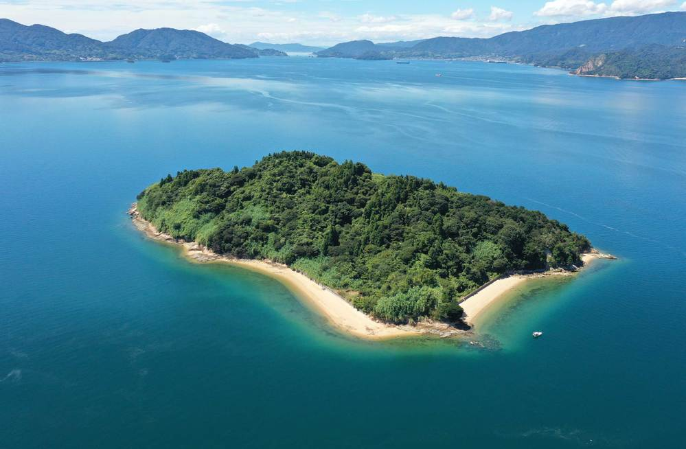 老後は、ゆっくりと無人島で暮らしたいデスカ?