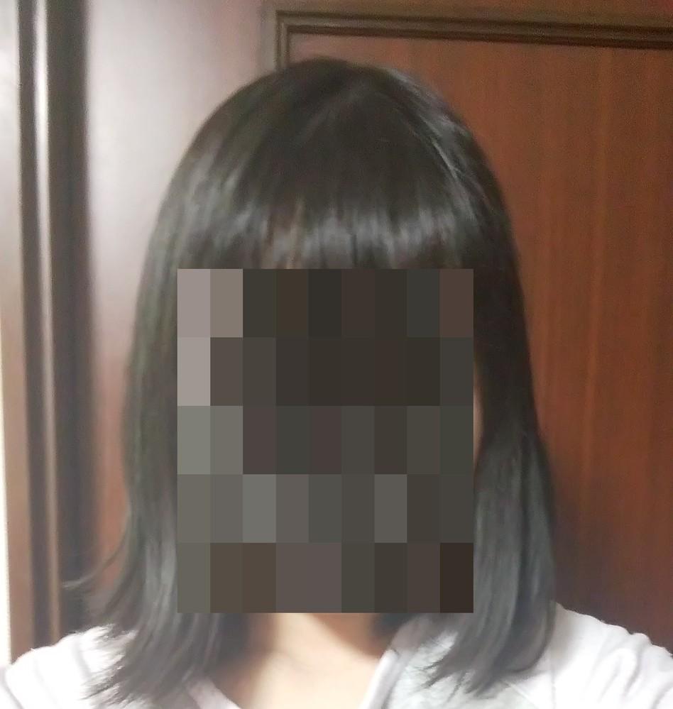 いつも髪が左右違う方方向にはねます。どうやったら治せますか。