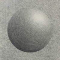 授業で球体を描きました。 背景は、あとから丸を描くなんて聞かされず とりあえず背景ベタ塗りしろと言われてこのようになっているのでテーブルの影など無いですが気にしないでください。 丸はコンパスを使えと言われてコンパスで描きました。 デッサンにしては色々おかしい指示じゃないか?と思いますがそれはさておき、この球体の陰影に関してアドバイス頂きたいです。 実物は無い状態で描いています。 宜しくお願い...