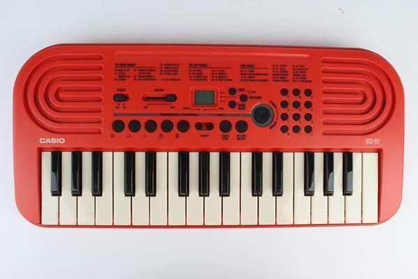 このキーボードで弾き語りは可能ですか?