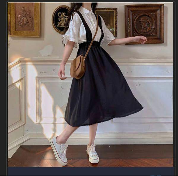 この服めちゃくちゃ可愛いんですが、どこのものかわかる方いらっしゃいますでしょうか…??
