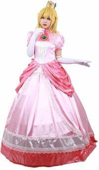西洋のお姫様って、ドレスの下にどんなパンツを履いてるの? . この画像を見てわかる様に、 ヨーロッパ地域の西洋のお城に住んでいるお姫様といえば、こんな感じに スカート部分がフワッとお椀の様に大きく膨らんだドレスを着ている、 いわゆるプリンセスといった感じのイメージですが、  西洋のお姫様は、この様にふくらんだドレスのスカートの中には、 いつもどんなパンツを履いていそうなイメージですか?