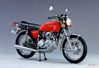 美しいエンジン造形のバイクといえばなんですか。 ・・・・・・・・・・・・・・・ 1気筒に2気筒に3気筒に4気筒に6気筒にいろいろありますが。 空冷とか油冷とか水冷とかいろいろありますが。 400㏄とか750㏄とか1000㏄とかいろいろありますが。 並列に水平にV型にいろいろありますが。 ・・・・・・・・・・・・・・・ このバイクのエンジンの造形は素晴らしいというバイクのエンジンはなんですか。...