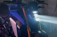 新型GSXS1000のヘッドライトデザインどうですか?  スズキファンに意見聞きたいです。 個人的には、ヤフオクで売ってるような安っぽいヘッドライトデザインに見えるのですが、どうですか?  引用: https://youtu.be/9mIYqEkGWGs