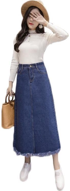 女性に質問です。スカートは腰のどのあたりまで上げる? . スカートをよく穿く女性の方にお聞きします。 この画像の女性の様に、スカートを穿いたコーディネートでお出かけする時、 あなたならスカートのウエスト部分を腰のどの辺りまで上げますか? お腹のヘソ部分が隠れるぐらい上まで上げますか? それとも、ヘソ部分まで上げず、骨盤のあたりで止めますか? よければ理由もどうぞ。