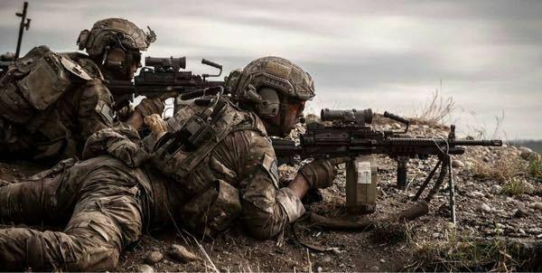 第75レンジャー連隊の軽装備を目標にサバゲーの装備を作っているのですが軽装備の場合ポーチなどはどのくらいつけたらいいでしょうか?