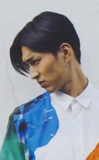 松田翔太さんの眉骨がでてるじゃないですか 僕もなっていてすごい気になります こういうのは女性からしてどう思いますか?