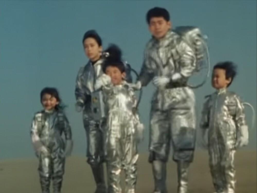 あなたが、次の言葉で思い浮かべるアニメや特撮(作品やキャラクター)は? 「家族や一族で(日本や地球以外に)旅や調査に行く」