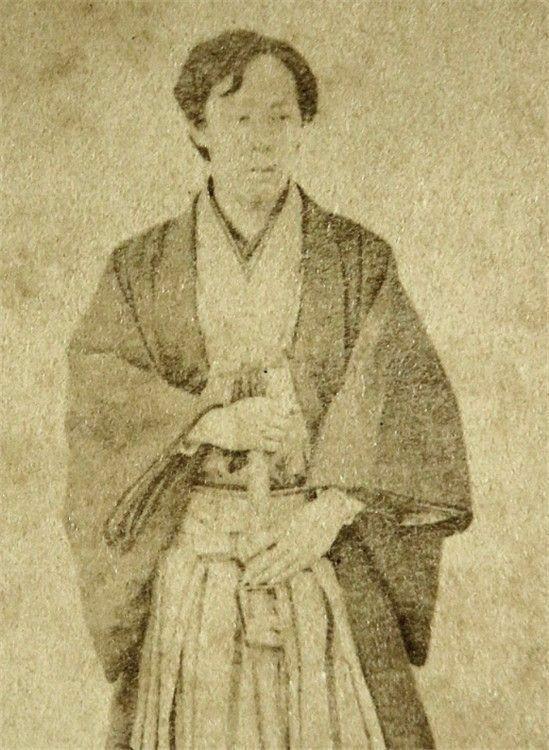 桑名藩主だった松平定敬(写真)の趣味が英会話、オルガン、乗馬と多彩なのはなぜなのでしょうか。教えてください。お願いします。