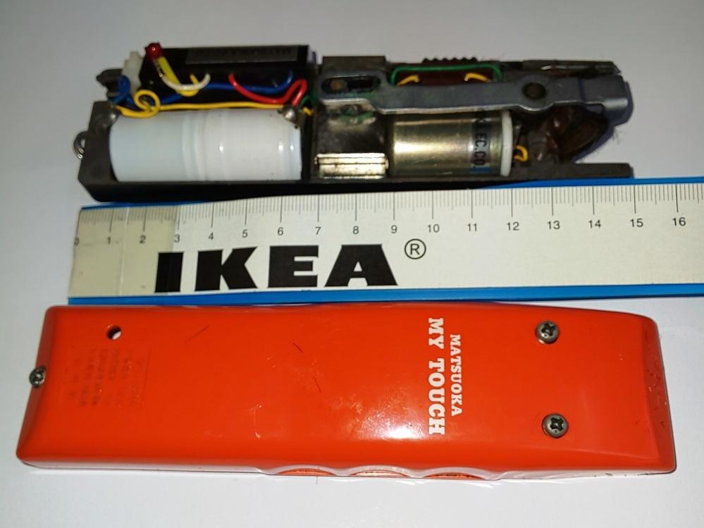 理容師をしています、営業用の マツオカ 充電式バリカン マイタッチの充電池の交換をしようと思っています。 開けてみましたが、充電池に何も記入が有りません、誰かわかる人居ませんか。