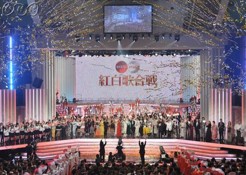 NHKの歌番組制作の姿勢について(大いに疑問があるため)質問です! . 賛否両論ありながらも大晦日には「紅白歌合戦」という怪物番組を擁し、スケールメリットや盤石の立場を活かした音楽特番の制作・供給能力にも優れるはずのNHK。 地上波の「うたコン」とBSの「新・BS日本のうた」はそれを象徴する2番組と言ってもいいのではないでしょうか? ただしこの2番組に共通する不満として、 ①「出演者の人選...