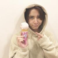 山田涼介くんは顎に梅干しがついていますか?