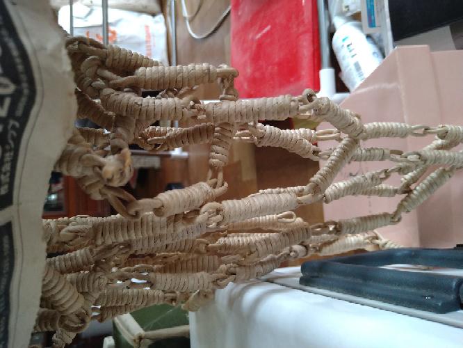 昔の紐すだれとは思いますが、この紐すだれ見た感じどんな質ですか? わかる方よろしくお願いします。