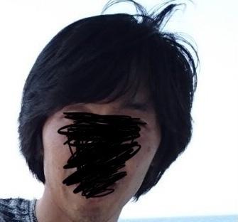 男でこの髪の長さだとロン毛ですか?