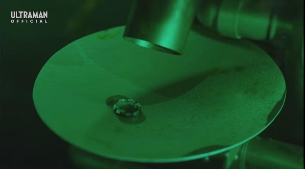 『インナースペース内部にある謎の製造機に緑色の液体を流し、怪獣のメダルを造るカブラギ』 想像してください。 「邪悪な存在であるあなたは、何やら怪しげな所であるものを造っています」。 さて、一体何を作っているのでしょうか? あなたの希望を回答してください。