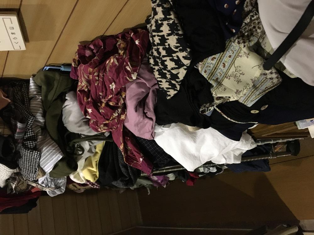 断捨離しながら衣替えをしたのですが、2袋は捨てて、あと残り5袋を配置したいのですが、置く場所がありません。どうしたら良いでしょうか?