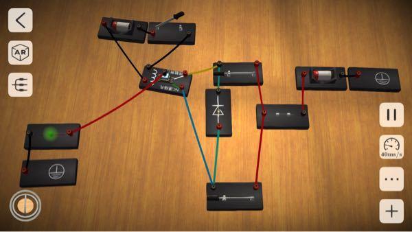 電気回路について質問です。 車に以下のような回路を組み込みたいのですが、写真のような回路に問題点はないでしょうか?特に2つのスイッチをオンにした場合、電気の流れ的にショートしたりしませんか?