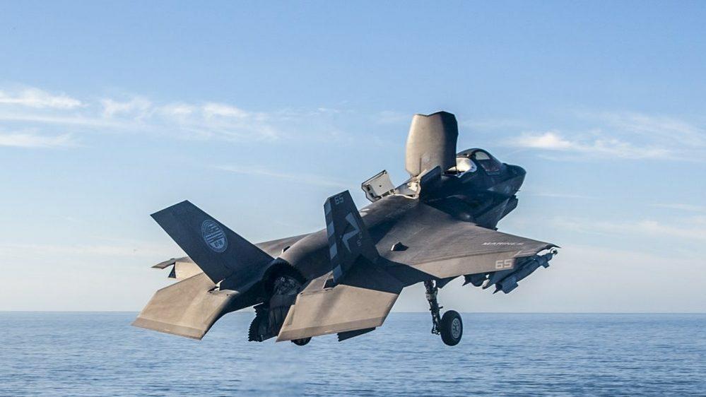 尖閣諸島を、守るのに護衛艦にF35の搭載が必要じゃないですか?