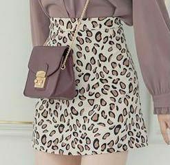 骨格ウェーブはこういうふわっとしていないミニスカートは似合いますか?