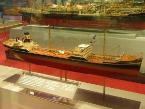 なぜこのタンカー(さんぺどろ丸 1927)は旅客も運んだんですか?