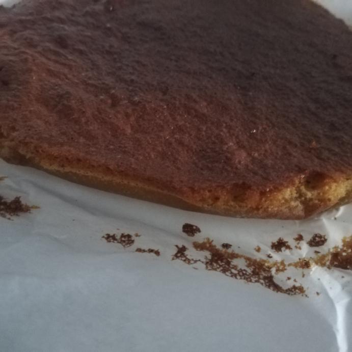 ケーキ作ったらこうなりました。 理由を教えてください