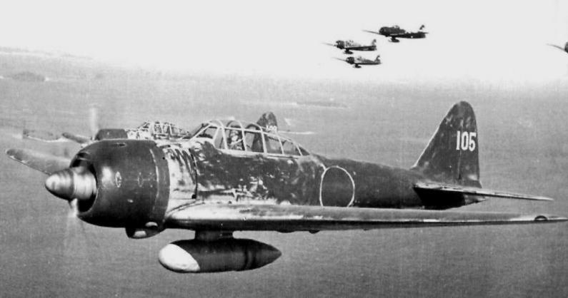 ラバウル航空隊という歌の中の(銀翼連ねて)という部分なのですが、(銀翼)とは 銀色の翼という意味ですか? 旧日本海軍機の塗装は、ベージュかグリーンの機体色だったと思うのですが? ※詳しい方、教えてください。