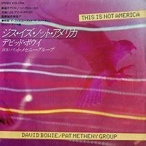 【80年代の香り】ジャズやフュージョン ギターリストとコラボした 当時の良い楽曲を提供して下さい。よろしくお願いします。 Pat Metheny Group feat. David Bowie / This Is Not America https://www.youtube.com/watch?v=-KDMDda5DNg