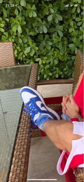 ジャステンビーバーがはいてるこのNIKEの靴はどんなのですか?