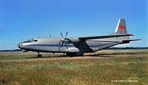 なぜこの輸送機(アントノフAN8)のターボプロップは軸流式なの❓