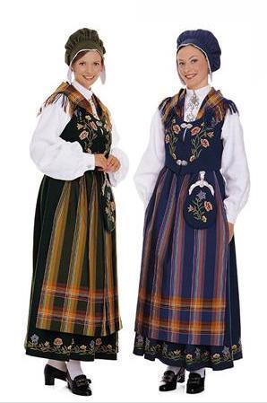 ノルウェー民族衣装のブーナッドで女性が被っている可愛い帽子は何と言うのでしょうか?