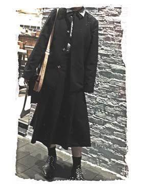 こんな感じの全身黒いコーディネートのことを何ファッションと言うのですか?