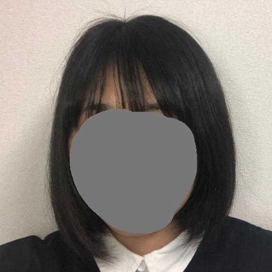 髪の量が多くて固くて太いです 。 それに加えて最近切れ毛?(途中で髪が切れてぴょこぴょこなってる)が多かったり髪質がバサバサです。 改善する方法教えてくださいm(_ _)m