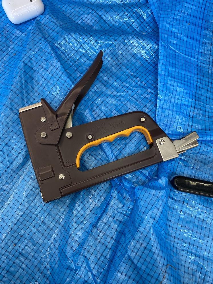このガンタッカーはどの種類の針買えば良いのでしょうか。 マックス ステープルの 肩幅12mm 足長 10mmを買ってしまいました。