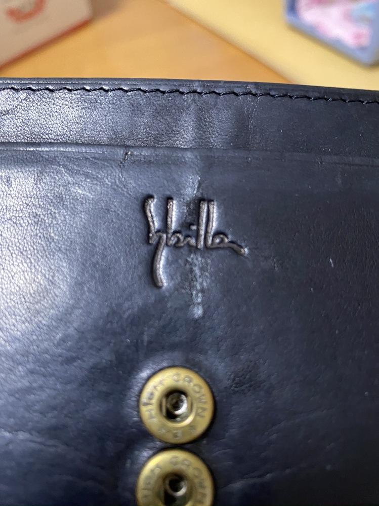 以前、友達から財布をもらったのですが こちらのブランドが分からなくて わかる方いらっしゃったら教えてください!