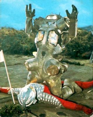 キングジョーに馬乗りされたウルトラマン戦士はウルトラセブン(初代)と平成セブン以外にいますか?