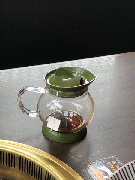 この食器の名前を教えて下さい。 紅茶を出すものです。 また、もしおすすめのものがありましたらそれも教えて下さい!(^_^*)