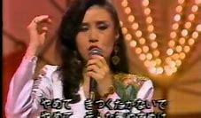 否定系の歌詞から始まる女性歌手の歌をお願い致します。 経験(辺見マリさん) 「やめて~」の歌唱後の吐息が色っぽいです。 https://www.youtube.com/watch?v=RQp6jWgwI20