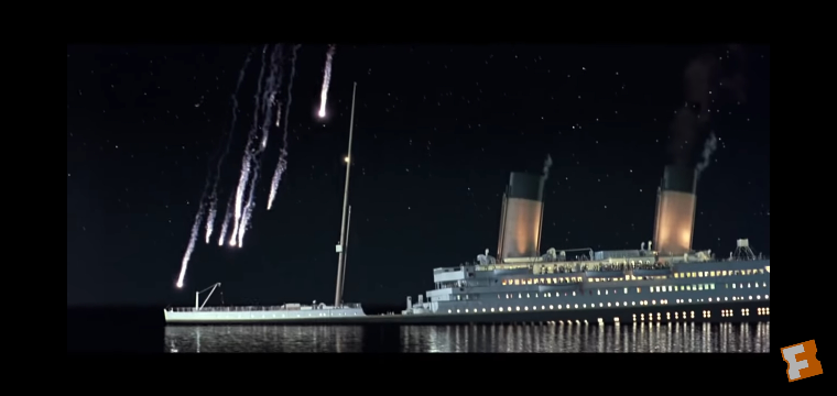 タイタニックの沈没直前に出てきたこの船はなんですか?