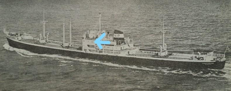 この船(Oinoussios)の矢印のデッキの船室の通路(船員)ってどうなってるの❓